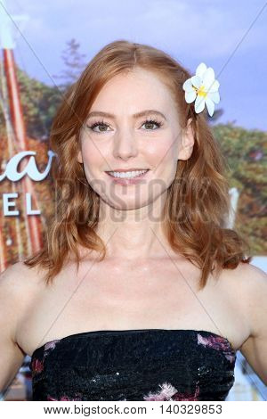 LOS ANGELES - JUL 27:  Alicia Witt at the Hallmark Summer 2016 TCA Press Tour Event at the Private Estate on July 27, 2016 in Beverly Hills, CA