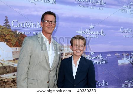 LOS ANGELES - JUL 27:  James Denton, Sheppard Denton at the Hallmark Summer 2016 TCA Press Tour Event at the Private Estate on July 27, 2016 in Beverly Hills, CA