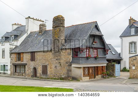 old house located in a commune of the Finistere department named Le Faou in Brittany