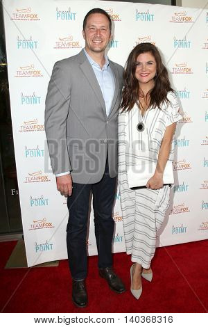 LOS ANGELES - JUL 27:  Brady Smith, Tiffany Thiessen at the