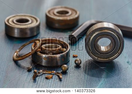 Comparison Of Old And New Bearing