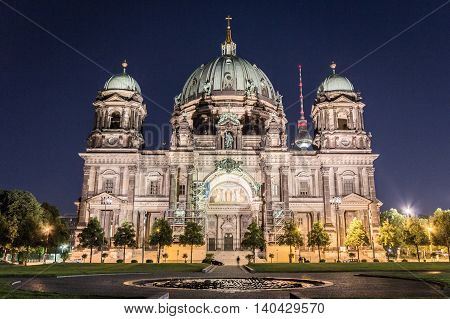 Berlin Cathedral (berliner Dom) , Tv Tower (fernsehturm) At Night
