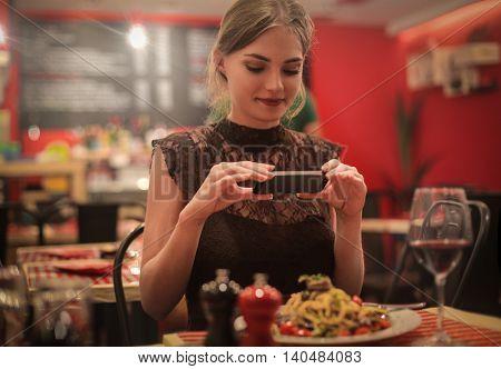 Addiction to food photography