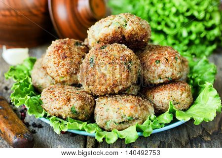 Homemade meat cutlets delicious baked pork cutlets in crispy breading selective focus