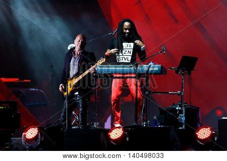 NEW YORK-SEPT 27: Singer Sting (L) performs with No Doubt onstage at the 2014 Global Citizen Festival to end extreme poverty by 2030 in Central Park on September 27, 2014 in New York City.