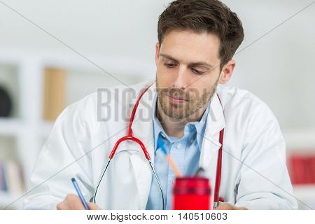 doctor appoint prescription drugs to patients