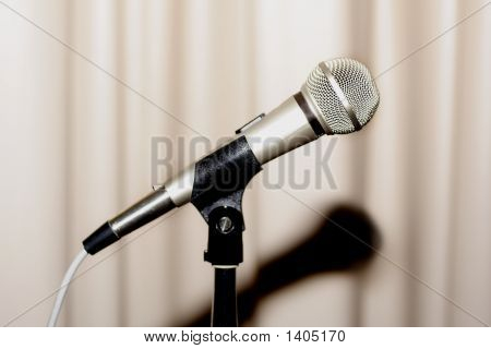 Microphone4