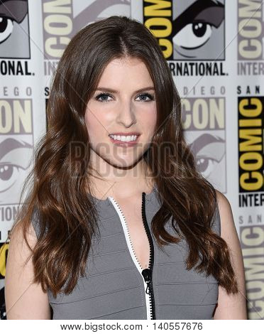 LOS ANGELES - JUL 21:  Anna Kendrick arrives to the Comic Con 2016 - Trolls PhotoCall on July 21, 2016 in San Diego, CA