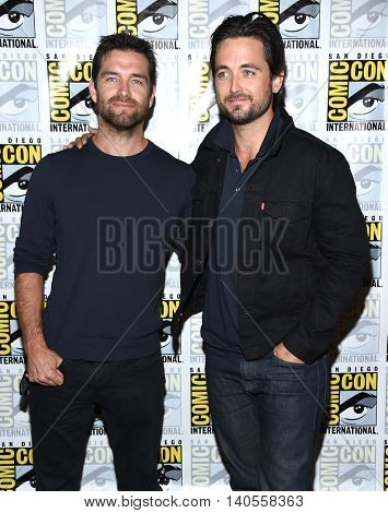 LOS ANGELES - JUL 22:  Antony Starr & Justin Chatwin arrives to the Comic Con 2016 - CBS PhotoCall on July 22, 2016 in San Diego, CA