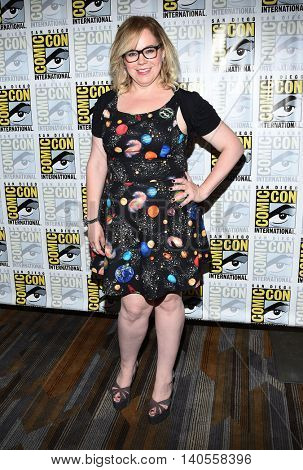 LOS ANGELES - JUL 22:  Kirsten Vangsness arrives to the Comic Con 2016 - CBS PhotoCall on July 22, 2016 in San Diego, CA