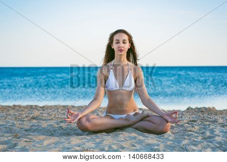 beauty woman in the sea beach