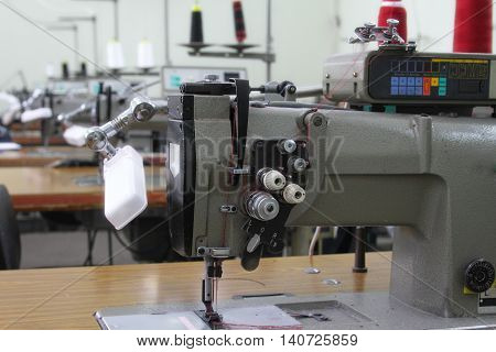 Industrial sewing shop sewing machines equipped with the software and lamps