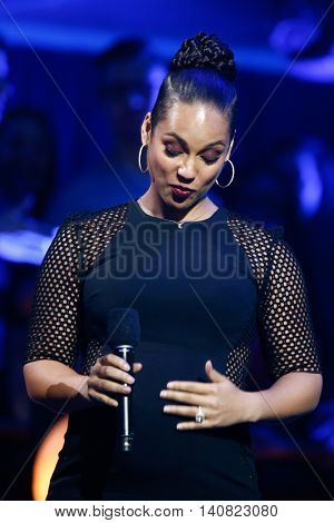 NEW  YORK-NOV 13: Recording artist Alicia Keys on stage during VH1's 2nd Annual 'You Oughta Know Live In Concert' 2014 at Hammerstein Ballroom on November 13, 2014 in New York City.