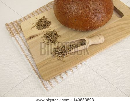 Rye bread with caraway seeds, coriander and anise
