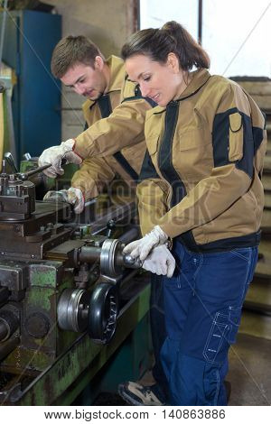 mechanicians at work in the factory
