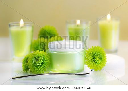 Moisturizing face cream with candles