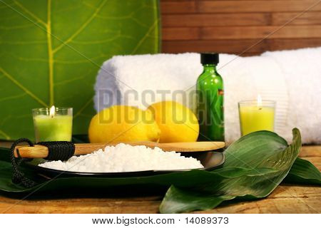 Sea salt, lemons and leaves spa session
