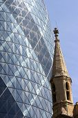 picture of modern building  - picture of two landmarks in London demonstrating the opposition between old and modern - JPG