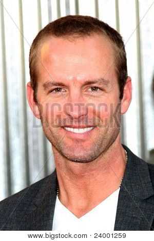 LOS ANGELES - OCT 2:  Gunner Wright arriving at the
