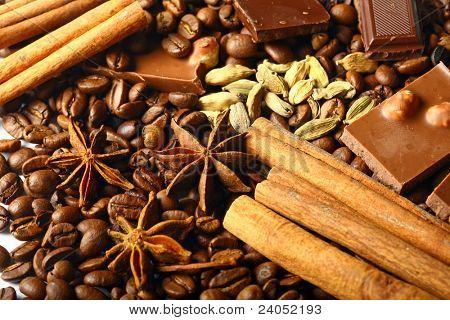 aroma coffe. ingredients. coffe beens, anise, chocolate, cardamon, cinnamon