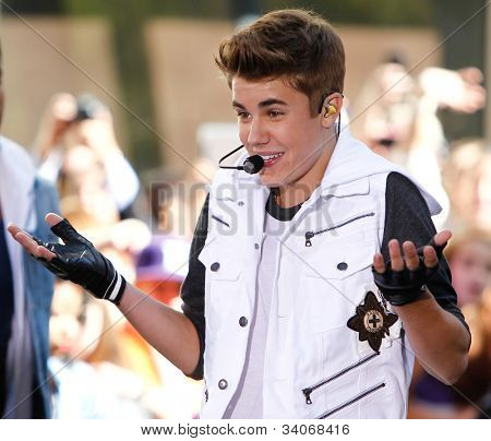 NEW YORK-JUNE 15: Justin Bieber performs on the Today Show at Rockefeller Plaza on June 15, 2012 in New York City.