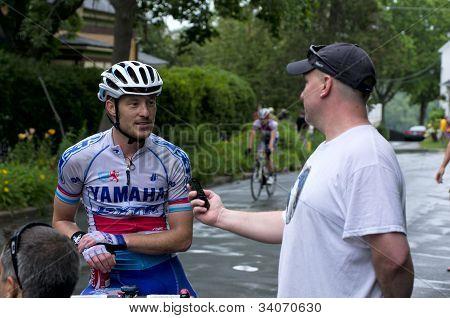 Reporter Interviews Helmig