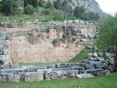 pic of oracle  - ancient Greece - JPG