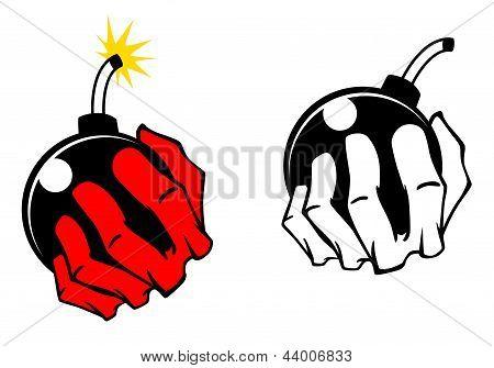 Bomba en mano de personas
