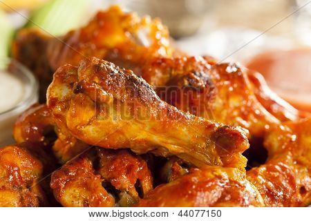 Heiß und pikanter Buffalo Chicken Wings