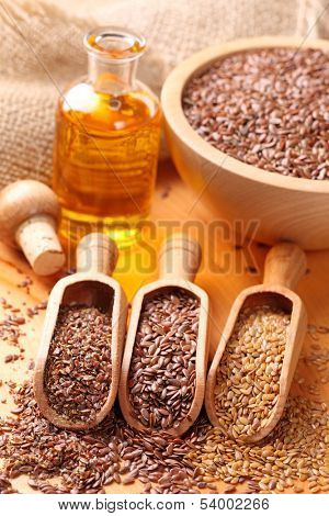 Linseed oil and flax seeds