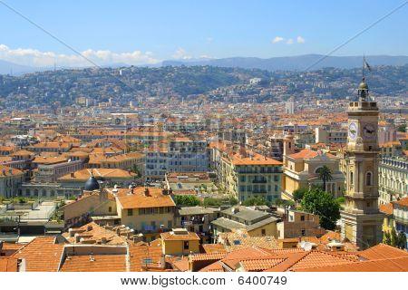 Panoramablick auf schöne Stadt