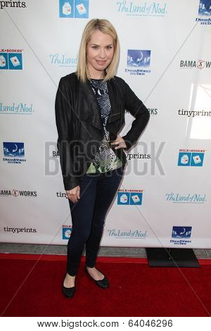 LOS ANGELES - APR 27:  Leslie Grossman at the Milk + Bookies Story Time Celebration at Skirball Center on April 27, 2014 in Los Angeles, CA