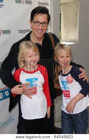 LOS ANGELES - APR 27:  Dan Bucatinsky, Eliza Bucatinsky, Jonah Bucatinsky at the Milk + Bookies Story Time Celebration at Skirball Center on April 27, 2014 in Los Angeles, CA
