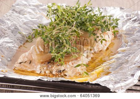 Baked Salmon Fillet With Thyme