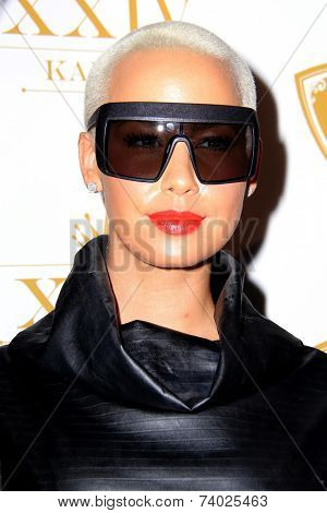 LOS ANGELES - OCT 16:  Amber Rose at the XXIV Karat Launch Party at Beverly Hilton Hotel on October 16, 2014 in Beverly Hills, CA