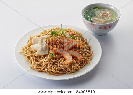 Fried Noodle With Roast Pork Sliced Fish Cake And Dumpling Soup