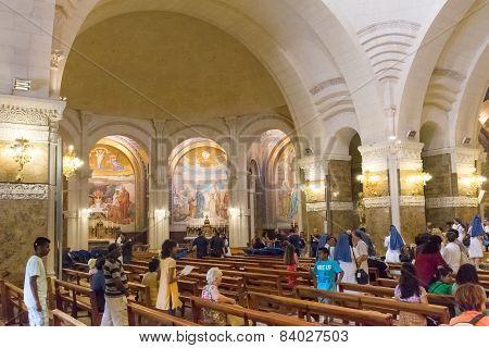 Pilgrims Visiting The Basilique De Notre Dame