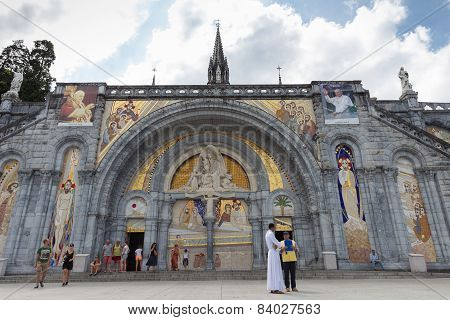 Notre Dame Du Rosaire De Lourdes