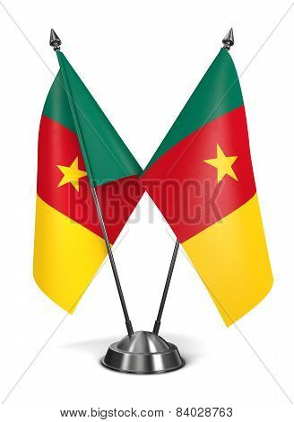 Cameroon - Miniature Flags.