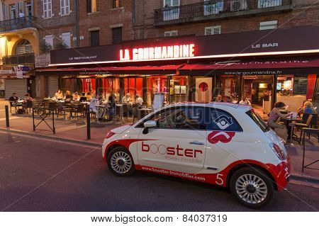 Fiat 500 With Advertisement