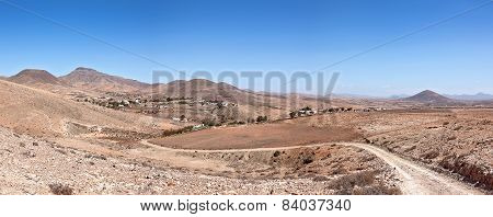 Fuerteventura - Look back from the GR131 to Cardon