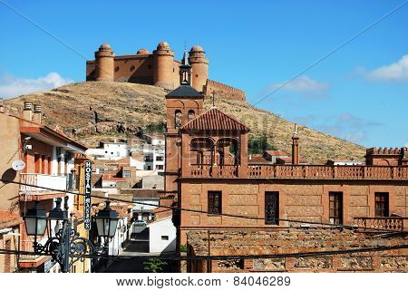 La Calahorra castle and town.