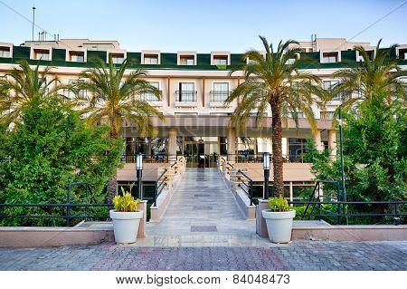 Hotel In A Garden