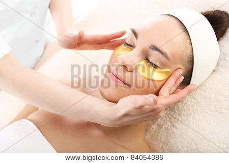 Gold mask, skin care around the eyes and mouth, Gold pads, reduction of wrinkles