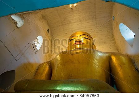 Large  Buddha Statue in Ananda Temple.