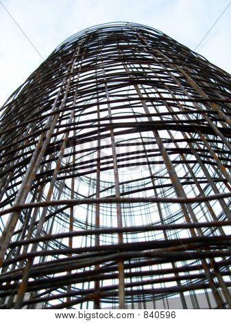 circular metallic structure