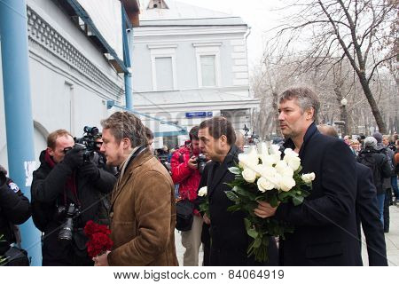 Journalist Alexander Lyubimov, And The Mayor Of Yekaterinburg Yevgeny Roizman At The Funeral Of Bori