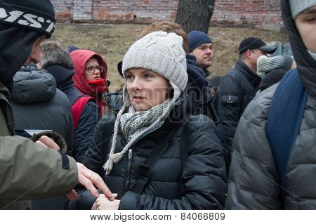 Policies Natalia Shavshukova At The Funeral Of Boris Nemtsov