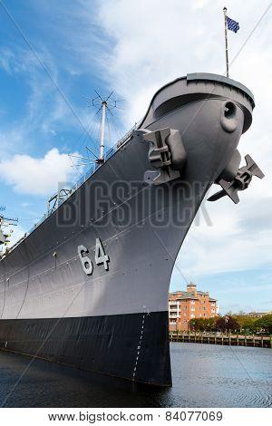 Battleship Wisconsin (bb-64) In Nofolk Harbor, Virginia