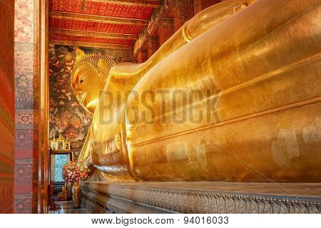 The Reclining Buddha at Wat Pho (Pho Temple) in Bangkok